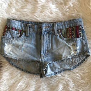 LF carmar tribal print mid rise shorts